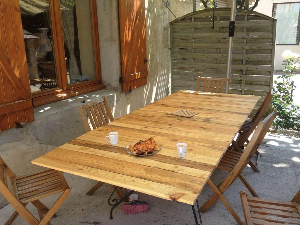 DIY et déco intérieure : l'invasion des palettes en bois