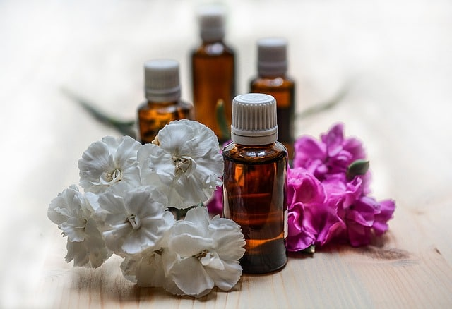 essential-oils-1433692_640